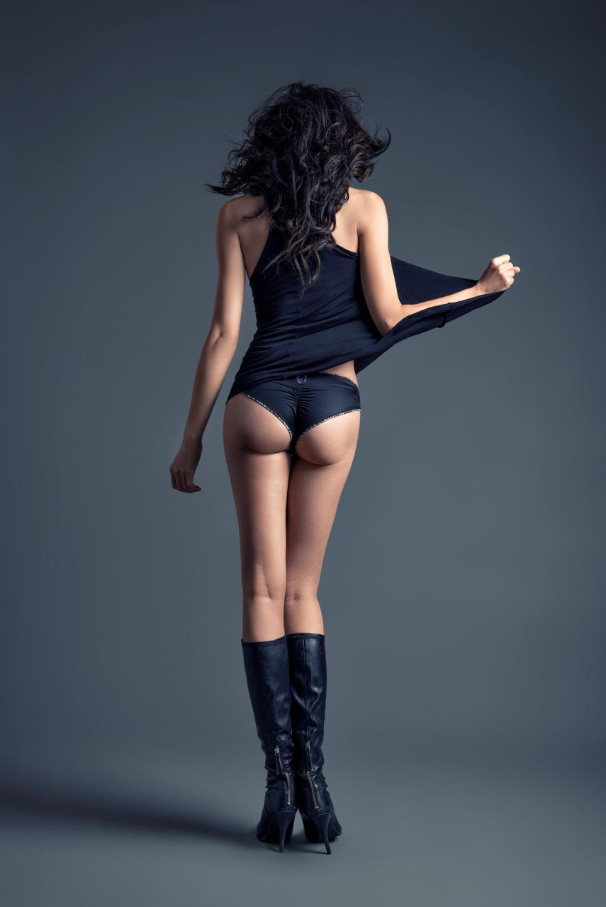 Back- Model Jacqueline Depaul