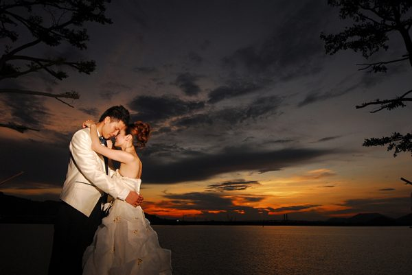 How to get Perfect Sunset Wedding Pictures